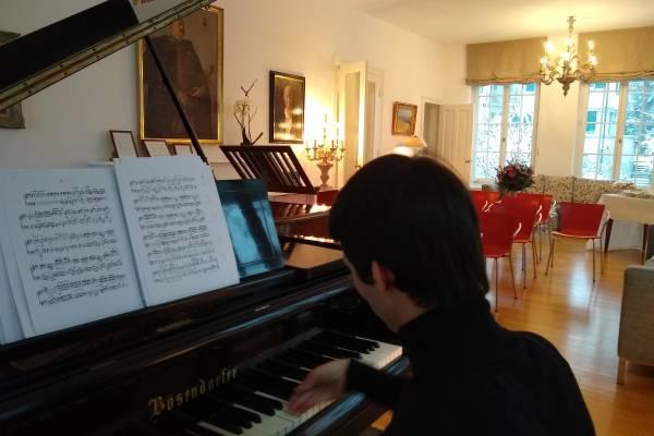 Alessandro Tardino in the Palais Kraft Music Room